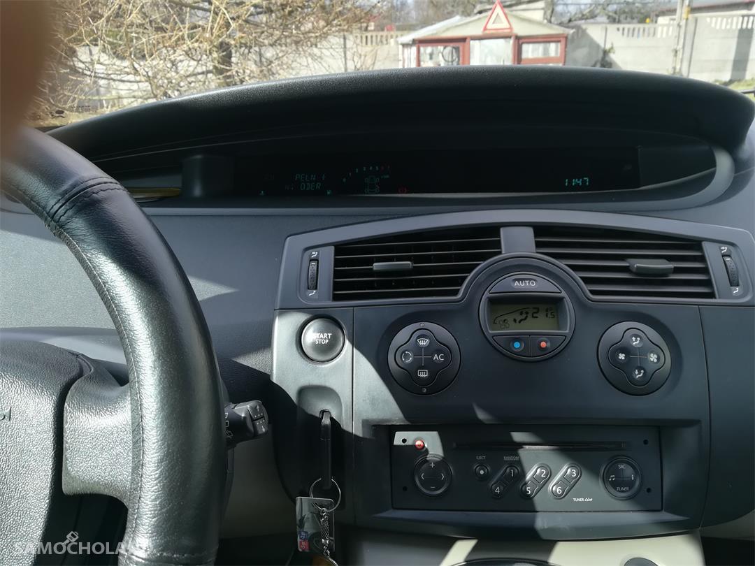Renault Scenic II (2003-2009)  22