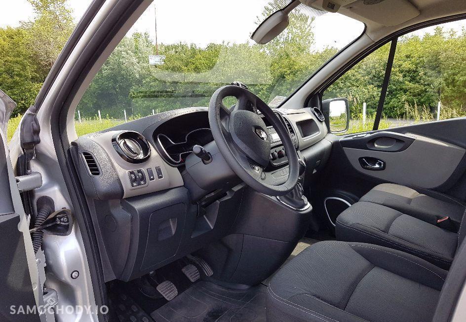 Renault Trafic III (2014-) 3 osobowy , Homologacja ciężarowa , czujnik zmierzchu 2