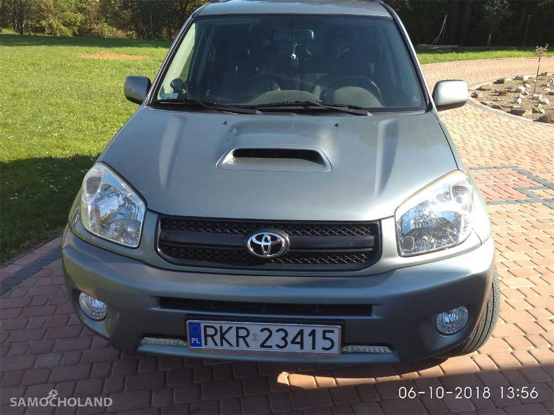 Toyota RAV4 II (2000-2005)  7