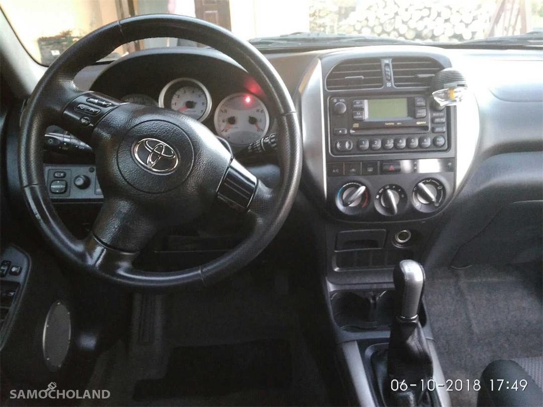 Toyota RAV4 II (2000-2005)  4