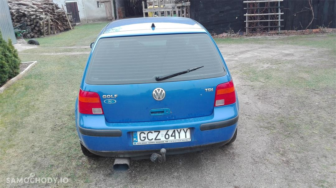 Volkswagen Golf IV (1997-2006)  2