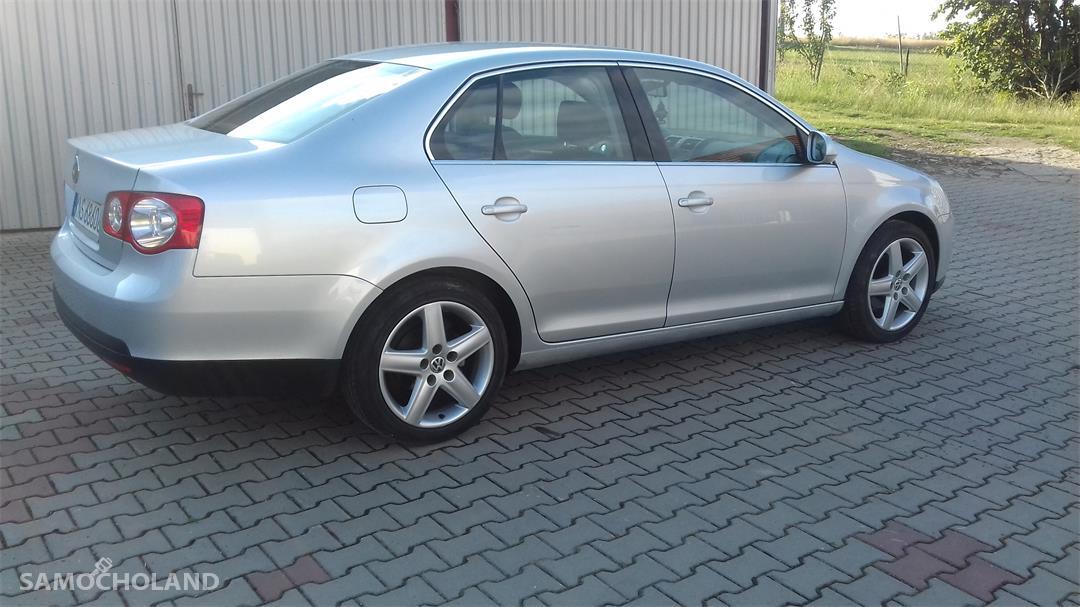 Volkswagen Jetta A5 (2005-2010)  2