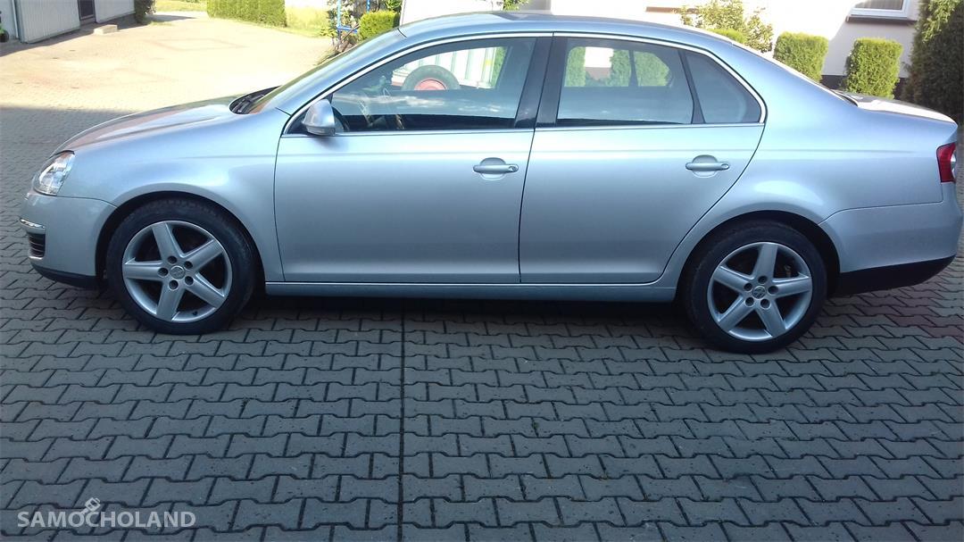 Volkswagen Jetta A5 (2005-2010)  1