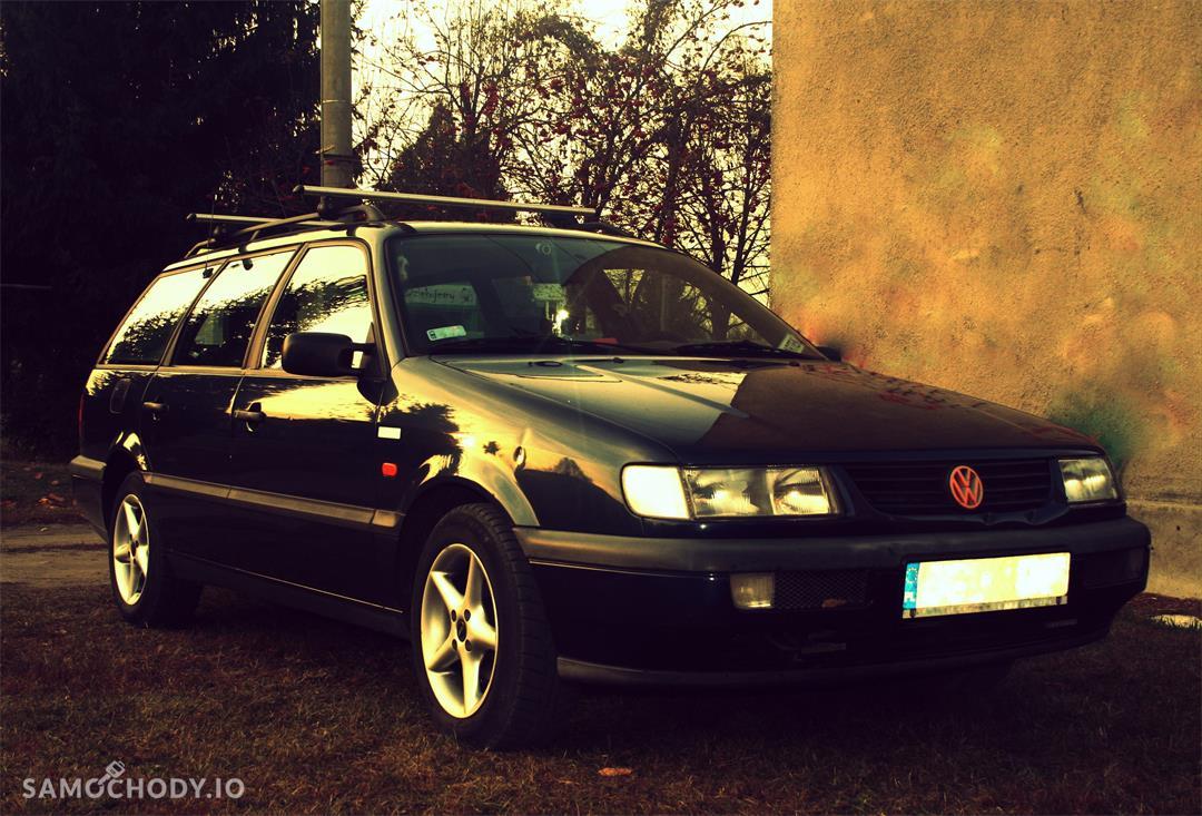 Volkswagen Passat B4 (1993-1997)  1