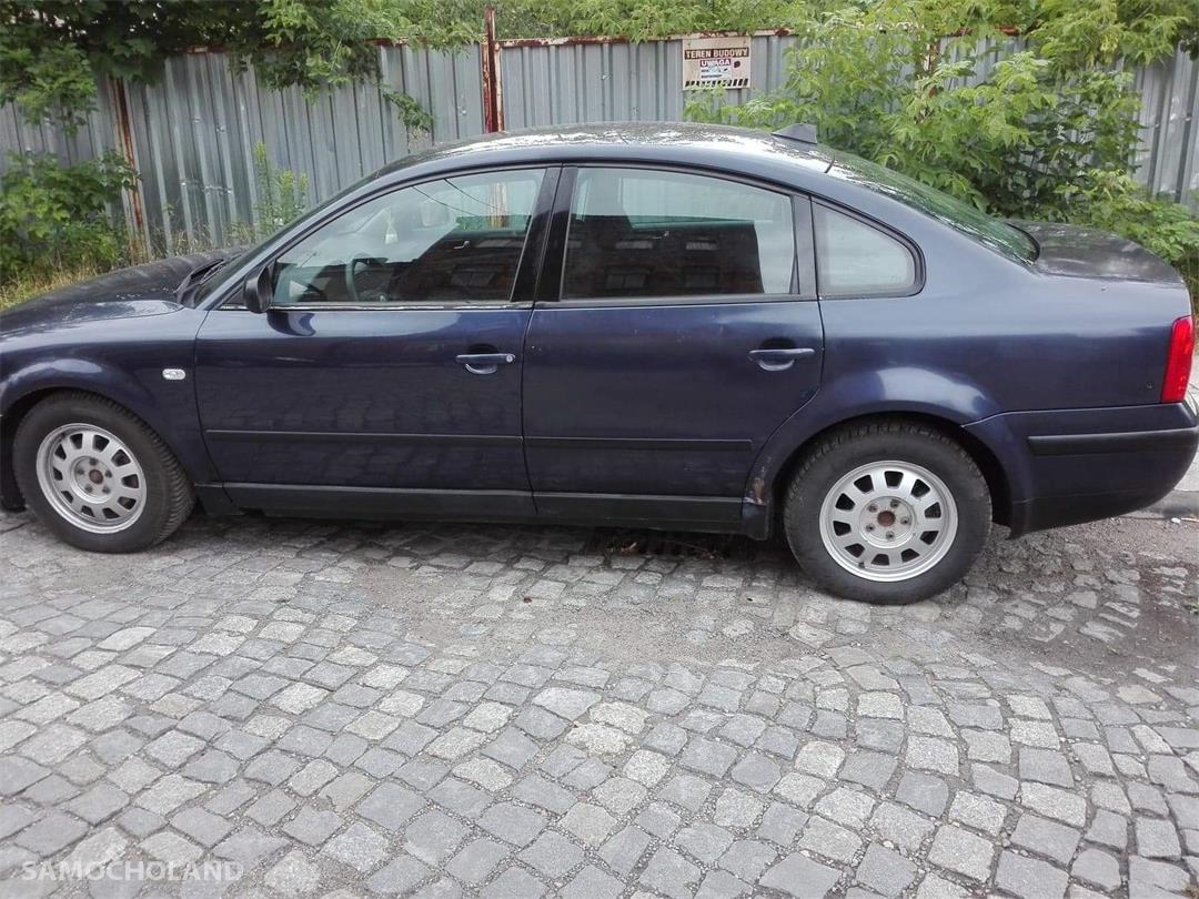 Volkswagen Passat B4 (1993-1997) Sprzedam samochód w dobrym stanie  2