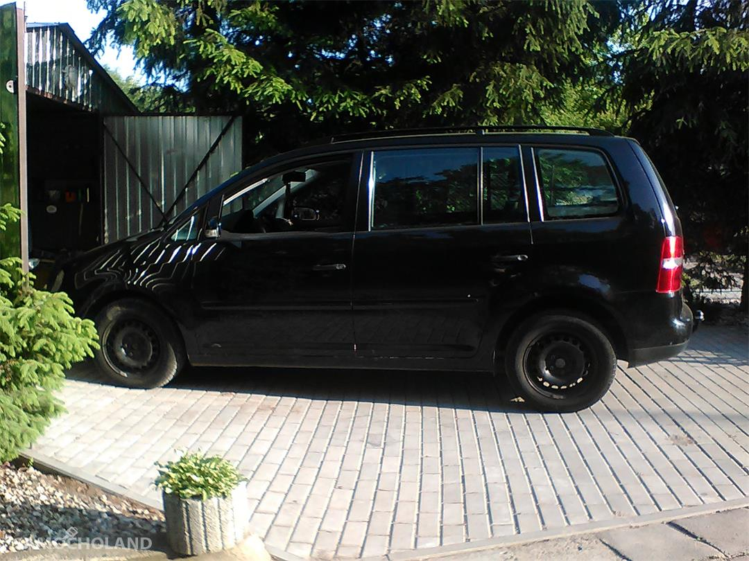 Volkswagen Touran I (2003-2010)  2
