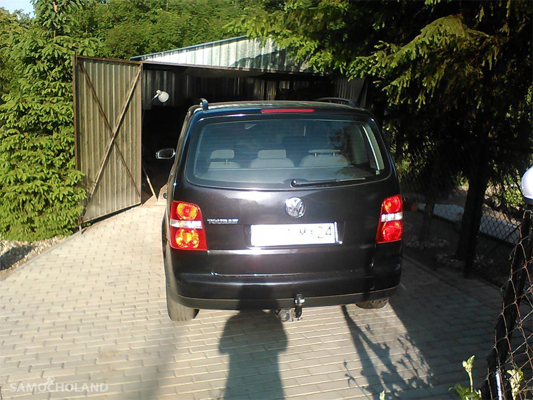 Volkswagen Touran I (2003-2010)  1
