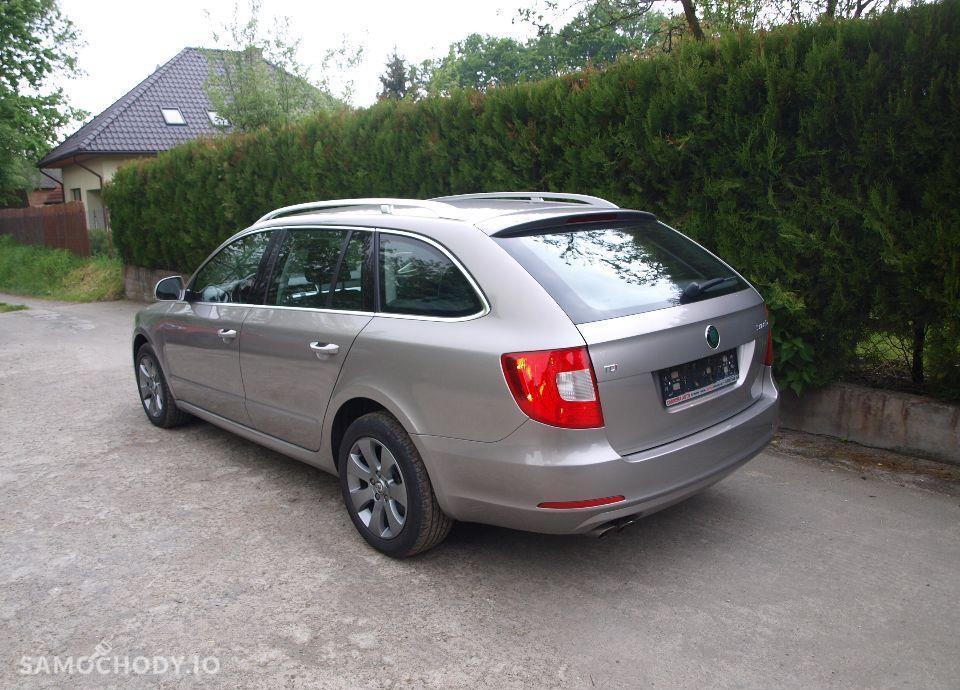 Škoda Superb 2,0 TDI Elegance, Xenon. 11