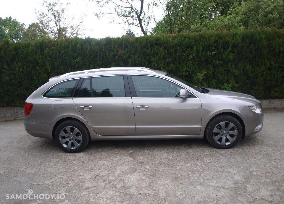 Škoda Superb 2,0 TDI Elegance, Xenon. 2