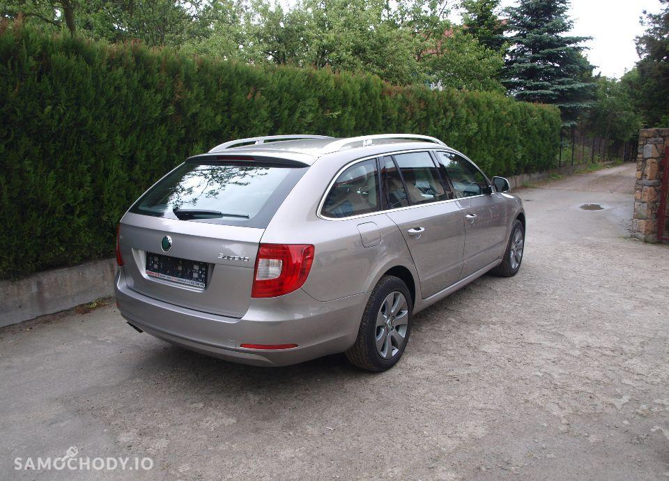 Škoda Superb 2,0 TDI Elegance, Xenon. 4