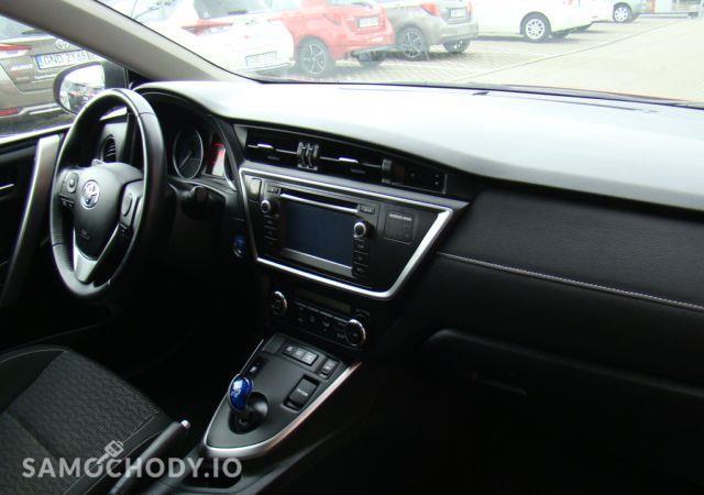 Toyota Auris 1.8HSD Kamera Gwarancja / Salon Toyota Elbląg 16