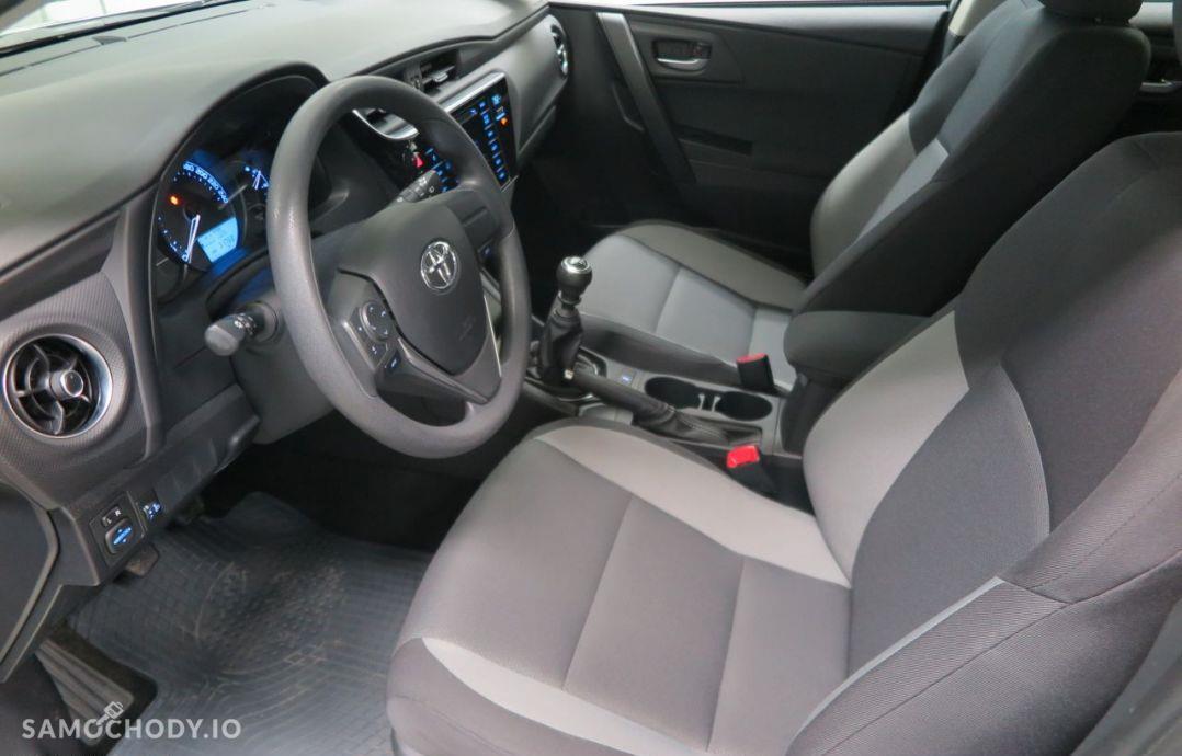 Toyota Auris 1.33 Dual VVT-i 99 KM Active. 29
