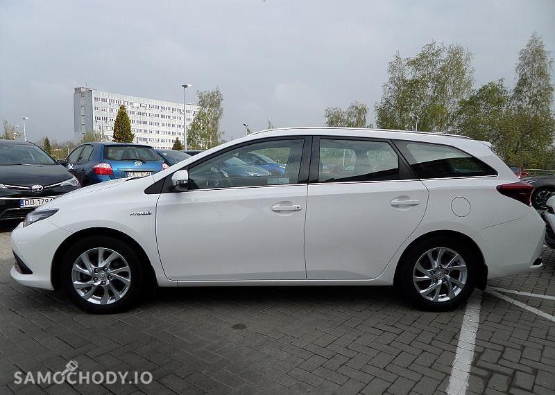 Toyota Auris Hybrid 135 Premium 16
