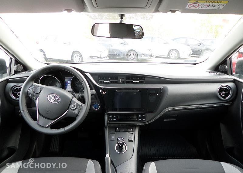 Toyota Auris Hybrid 135 Premium 37