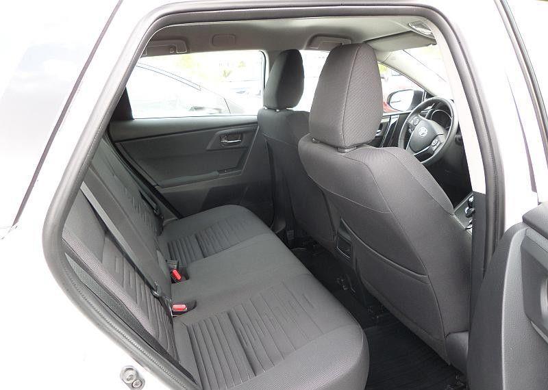 Toyota Auris Hybrid 135 Premium 46