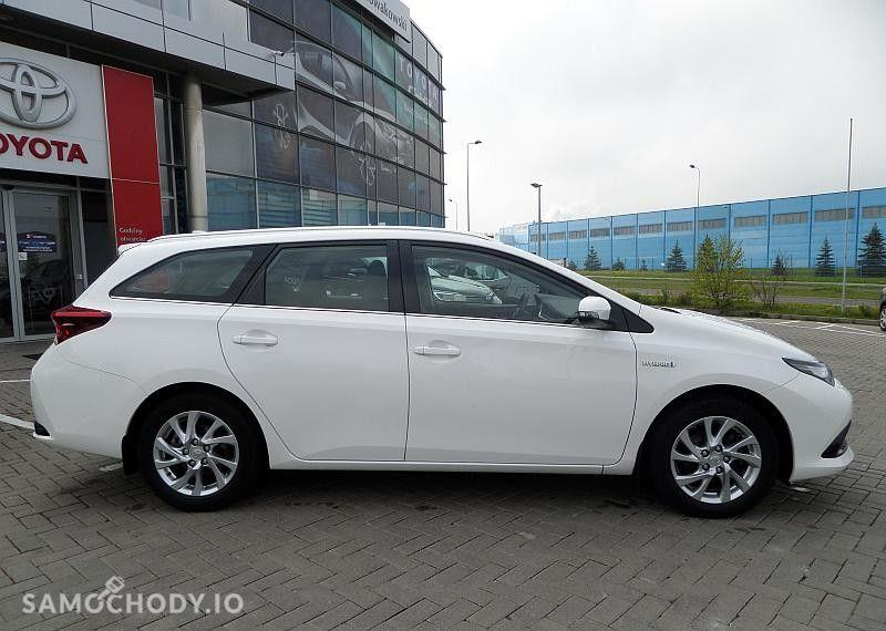 Toyota Auris Hybrid 135 Premium 11