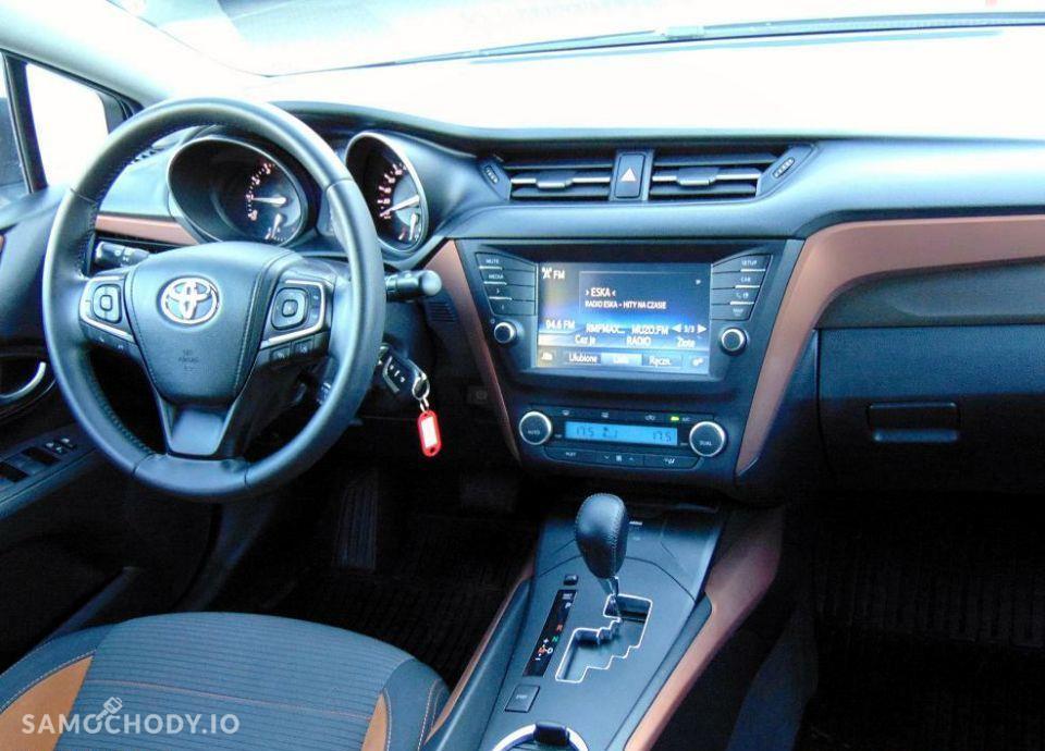 Toyota Avensis 1.8 Premium MS + Style Salon Toyota Carter 22