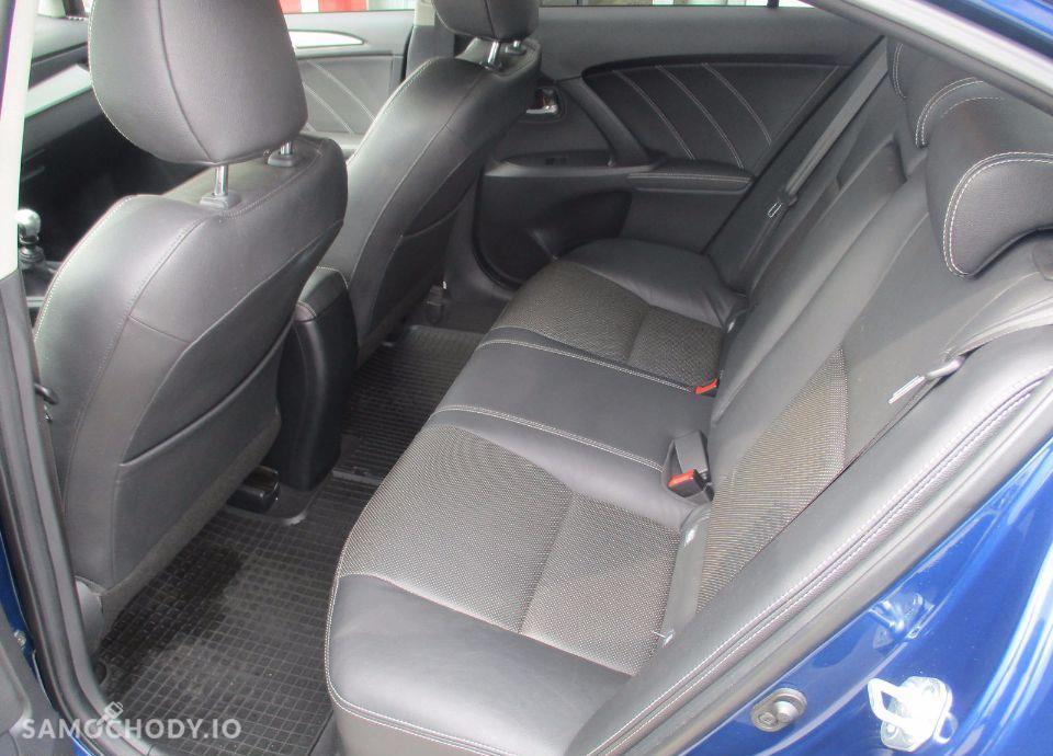 Toyota Avensis 2.0 D 4D 143 KM Premium+Style+Executive 37