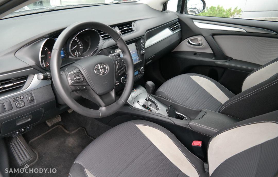 Toyota Avensis 1.8 Premium MS 4
