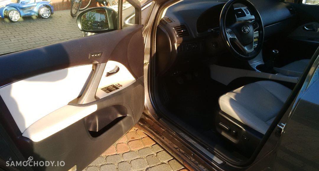 Toyota Avensis Prestige Full Opcja 22