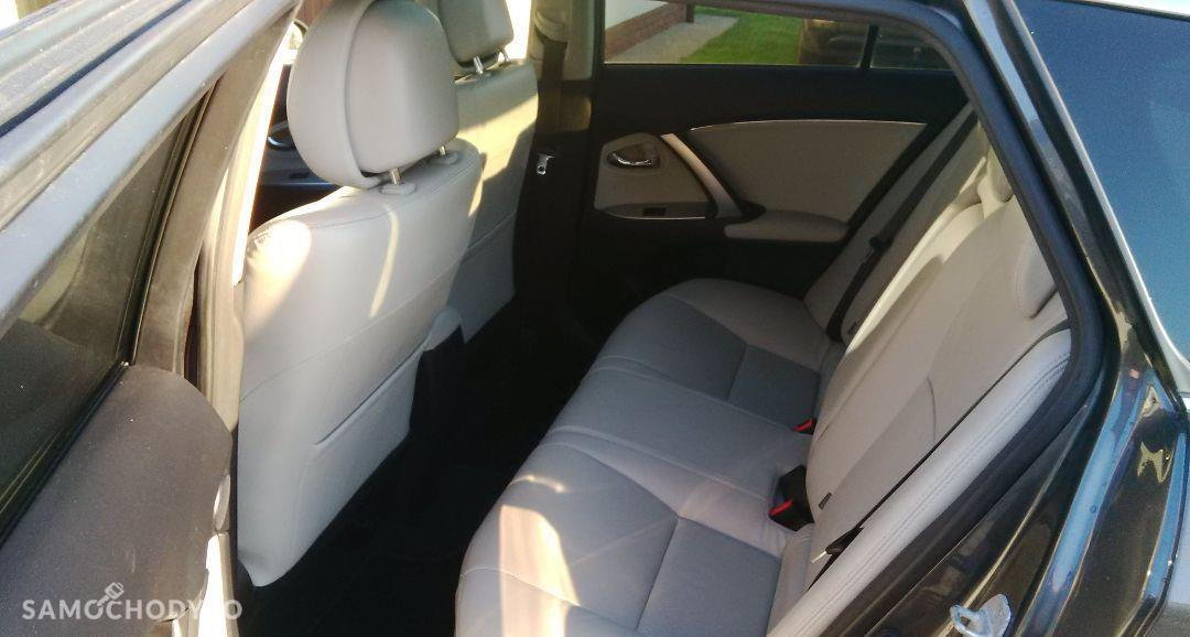 Toyota Avensis Prestige Full Opcja 37