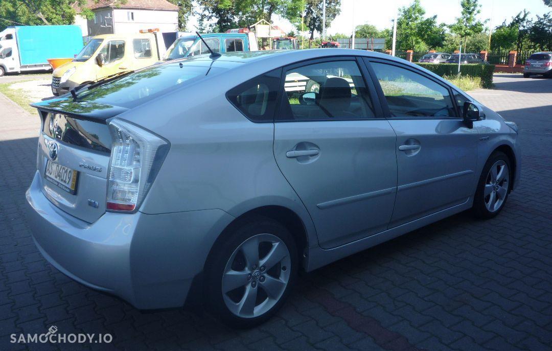 Toyota Prius Klimatyzacja elektryczne szyby navi super stan 7
