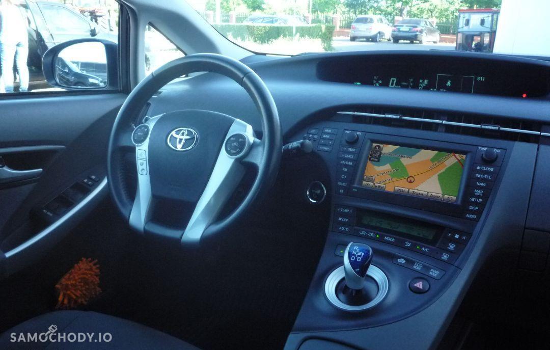 Toyota Prius Klimatyzacja elektryczne szyby navi super stan 22
