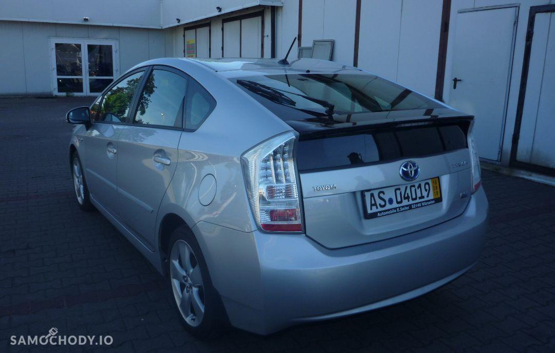 Toyota Prius Klimatyzacja elektryczne szyby navi super stan 11