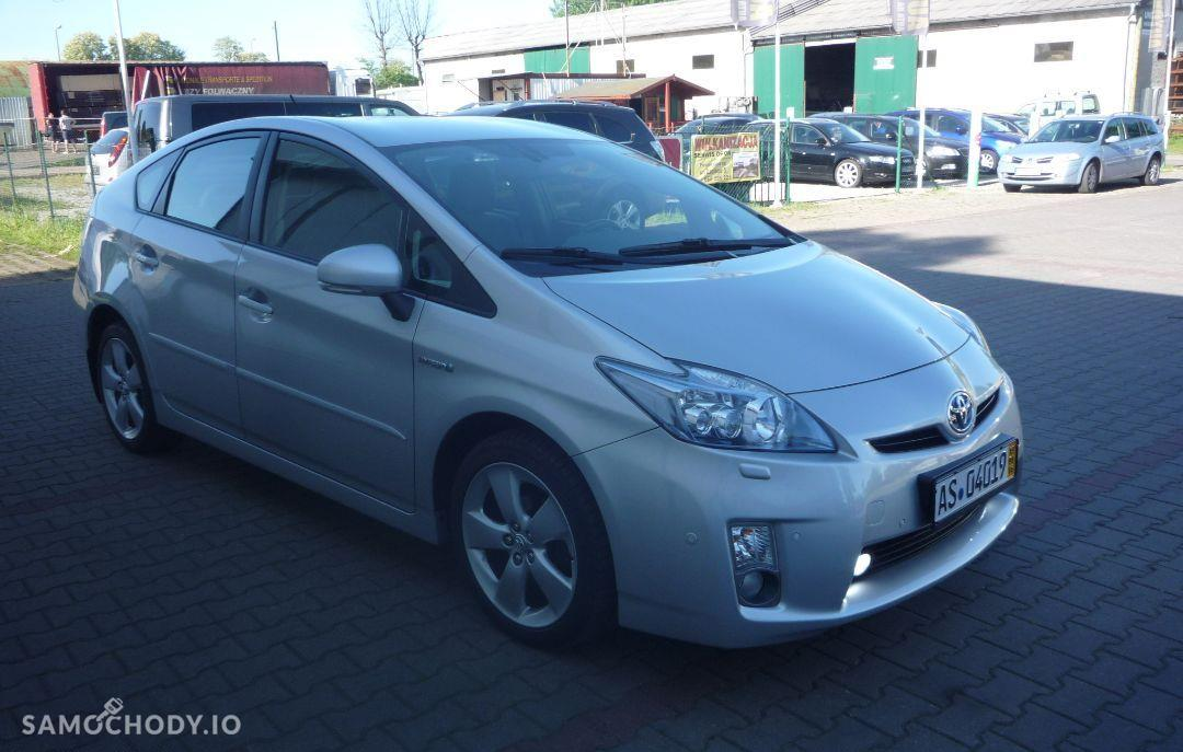 Toyota Prius Klimatyzacja elektryczne szyby navi super stan 2