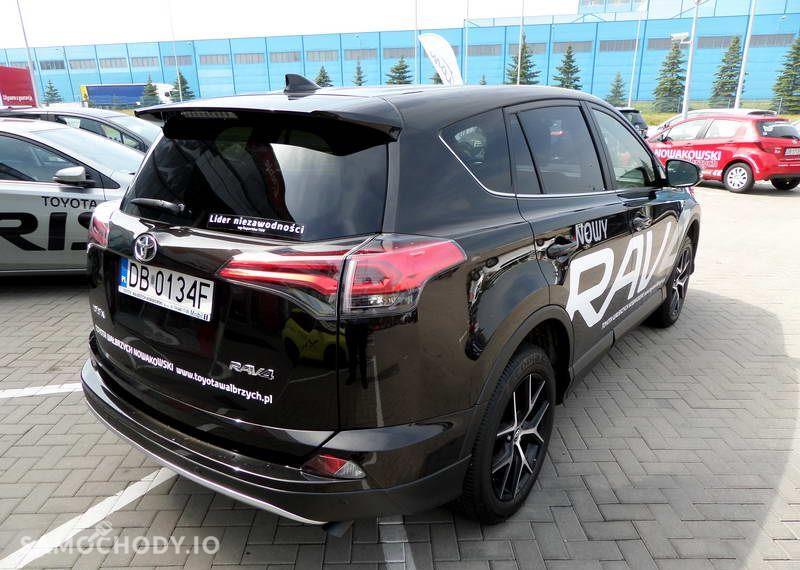 Toyota RAV4 2.0 D 4D 143KM Style + Smart + Safety 29