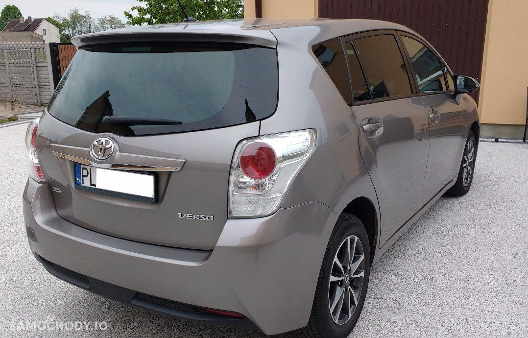 Toyota Verso 1.6 D 4D Nawigacja Kamera Szklany dach Mały przebieg 11