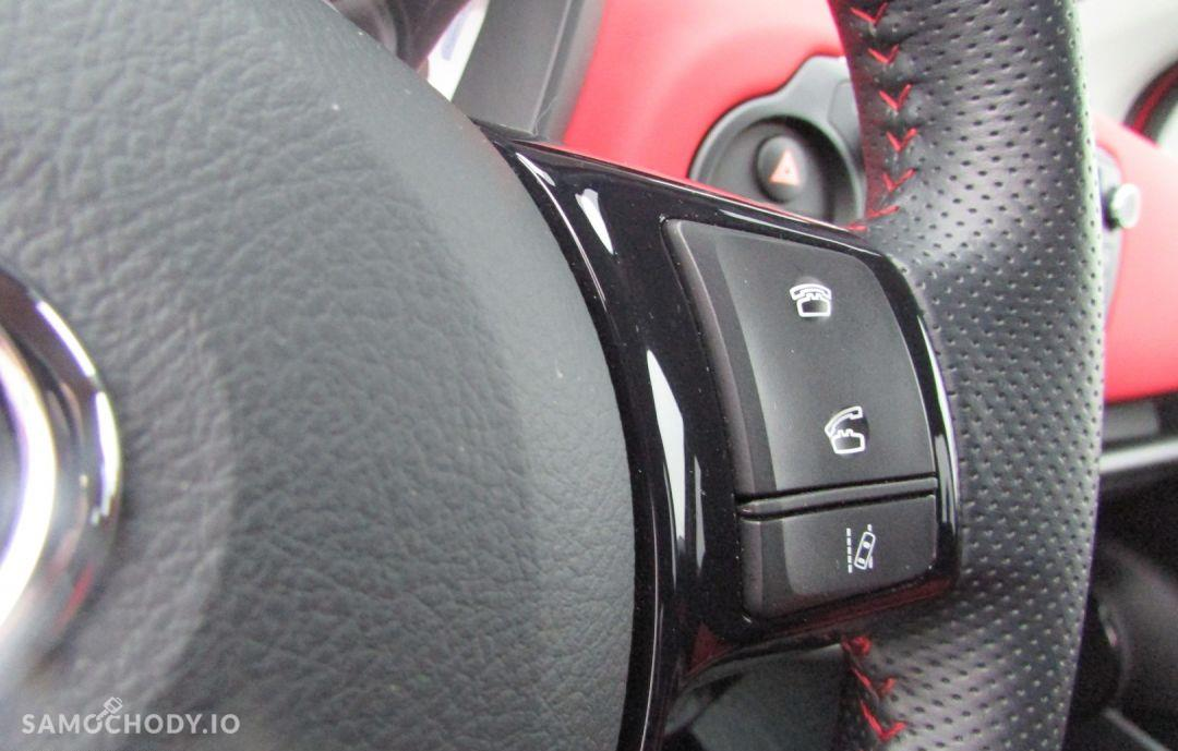 Toyota Yaris 1.33 99KM Dynamic Safety Navi 46