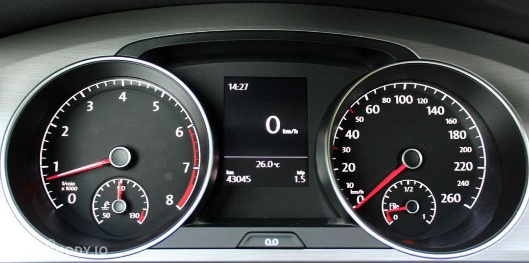 Volkswagen Golf Comfortline 1.2 TSI 105 KM 6-G 2015 rok. 56