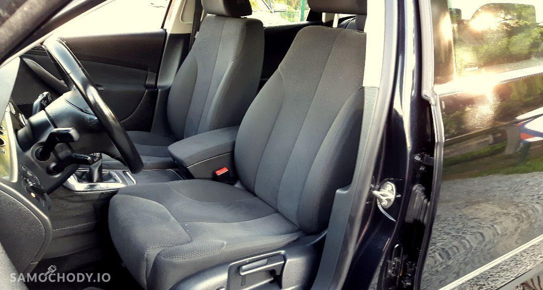 Volkswagen Passat 1,9 TDI Bezwypadkowy z udokumentowanym przebiegiem 37