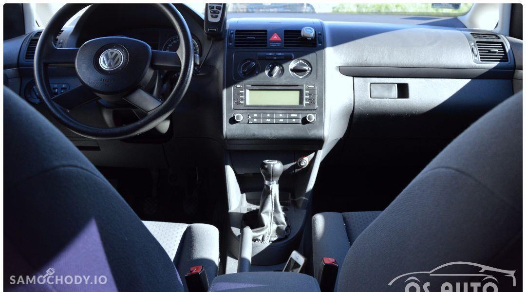Volkswagen Touran 1.6 FSI / Zarejestrowany / 37