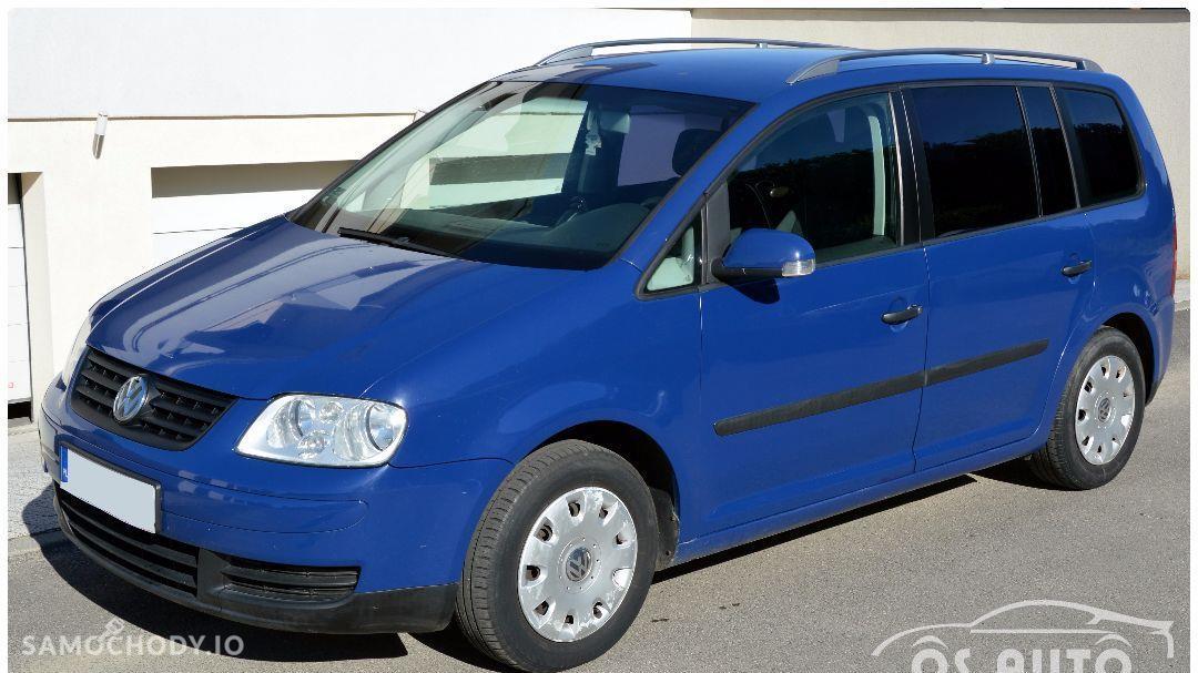 Volkswagen Touran 1.6 FSI / Zarejestrowany / 1