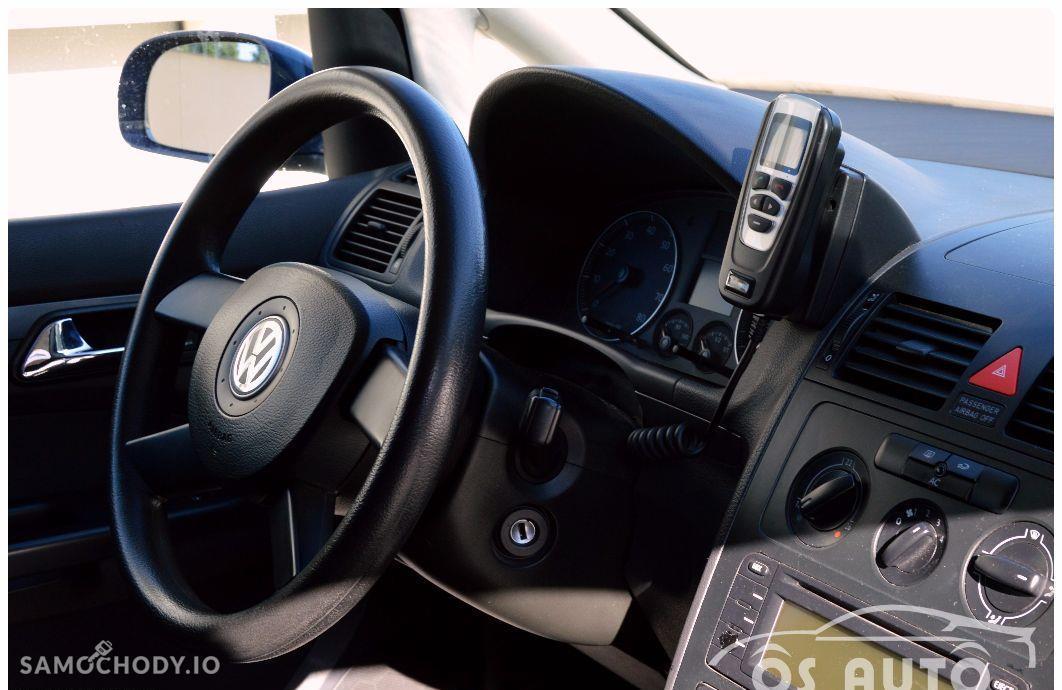 Volkswagen Touran 1.6 FSI / Zarejestrowany / 29