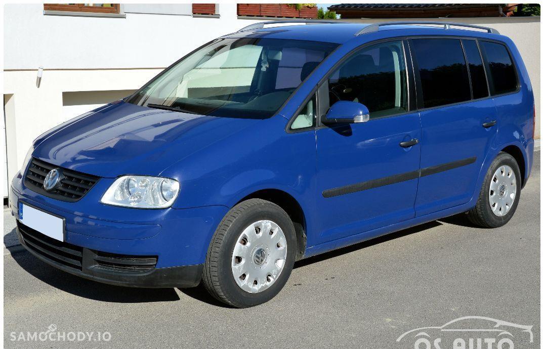 Volkswagen Touran 1.6 FSI / Zarejestrowany / 106