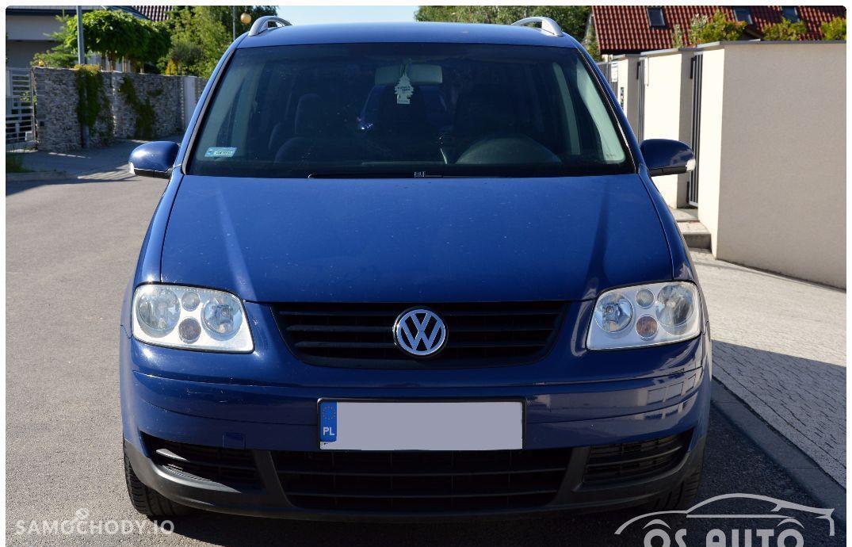 Volkswagen Touran 1.6 FSI / Zarejestrowany / 16