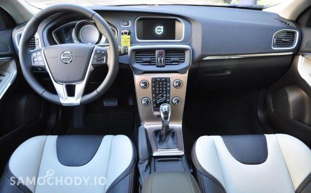 Volvo V40 D3, CROSS COUNTRY; SUMMUM; Xenium Pakiet,203, bezwypadkowy VAT 23% małe 121
